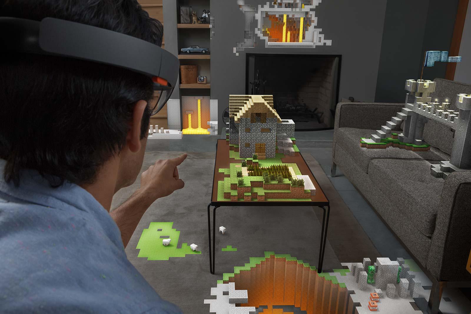Microsoft HoloLens Projiziert Virtuelle Objekte Ins Wohnzimmer
