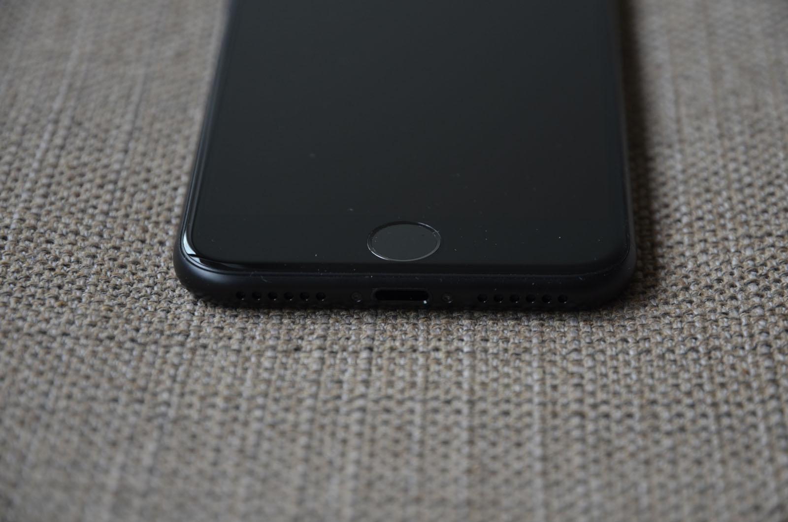 test apple iphone 7 in schwarz mit 256 gb allround. Black Bedroom Furniture Sets. Home Design Ideas