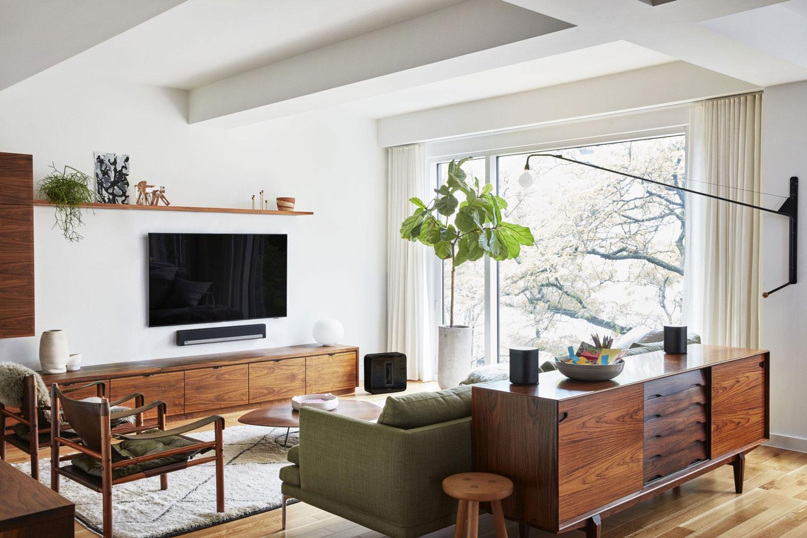 Sonos one wlan lautsprecher vereint amazon alexa und for Living room channel 10 codeword