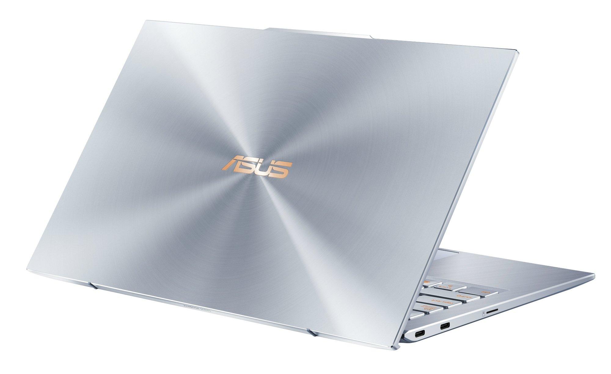 Die Rückseite des ASUS ZenBook S13 wird wieder vom klassischen ASUS Zen Design geprägt, das Aluminium-Unibody-Gehäuse macht schon einen sehr hochwertigen Eindruck!
