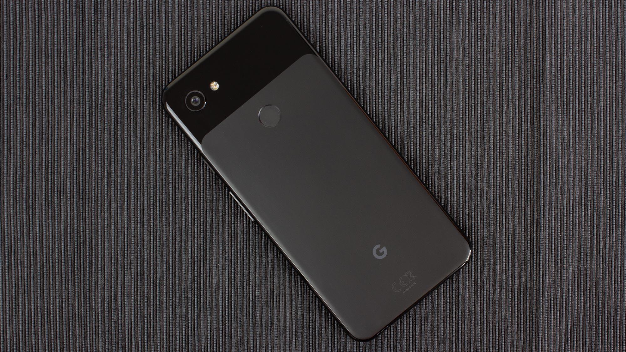 Google Pixel 3a XL in Just Black