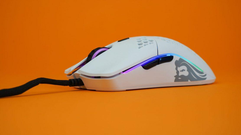 Glorius-PC-Gaming-Race-Model0-6