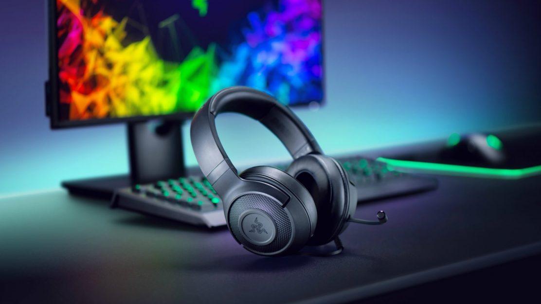 Das neue Razer Kraken X Gaming-Headset kommt im klassischen Schwarz daher und soll durch seinen hohen Komfort punkten.
