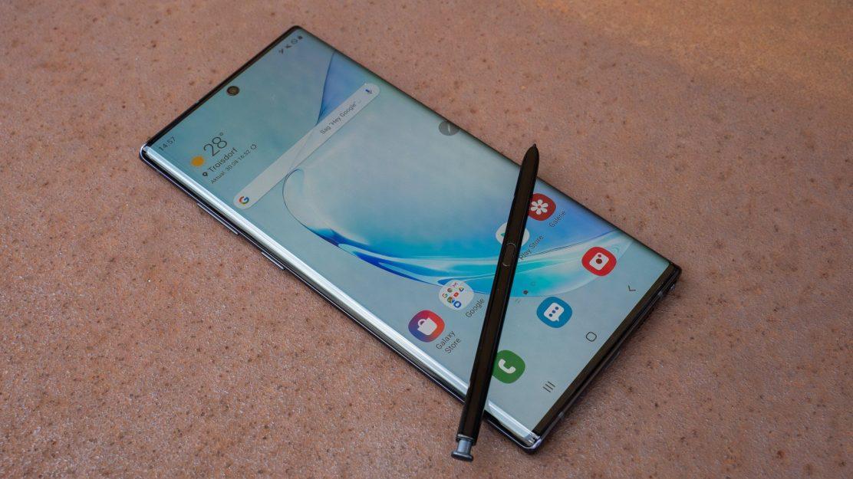 Der S Pen hat ein paar neue Funktionen spendiert bekommen und hält nun länger durch als beim Galaxy Note 9.
