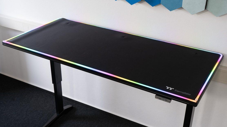 Thermaltake-Level-20-BattleStation-Gaming-Desk-2