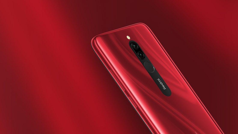 Das neue Redmi 8 von Xiaomi kommt im schicken Rot daher.